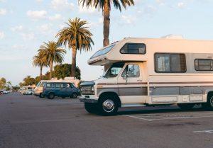 Hvor må man parkere med autocamper?